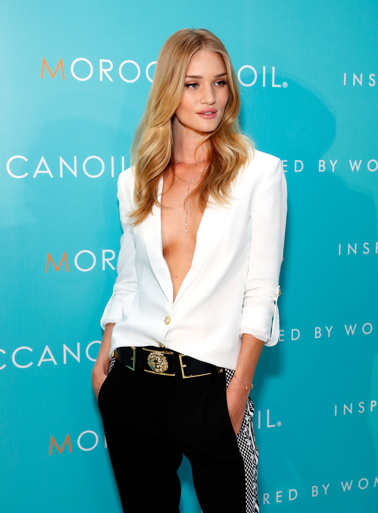 Rosie Huntington-Whiteley at Moroccanoil Inspired by Women Pub Launch Event à NYC