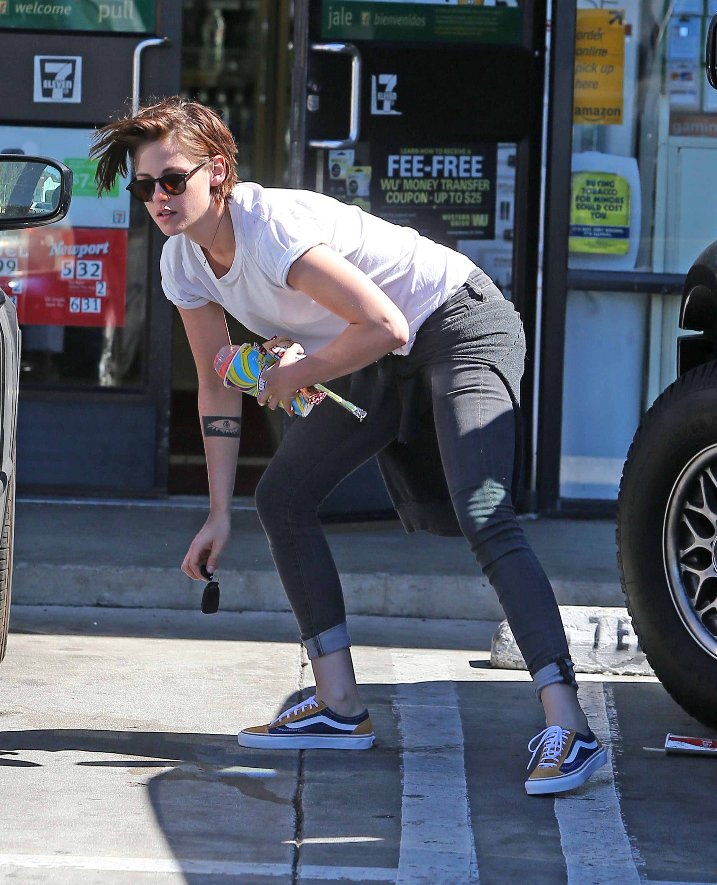 Kristen Stewart Out and About à Los Angeles