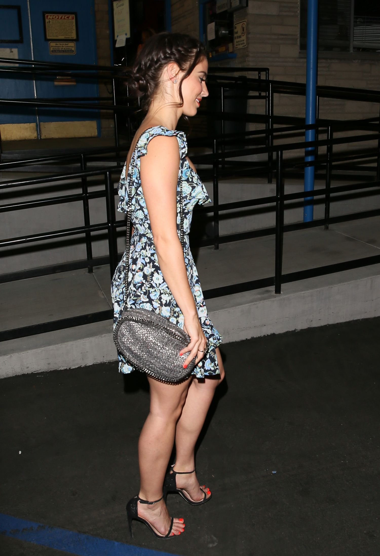 Jessica Lowndes at Just Jared Throwback Thursday Roller Skating Party à LA